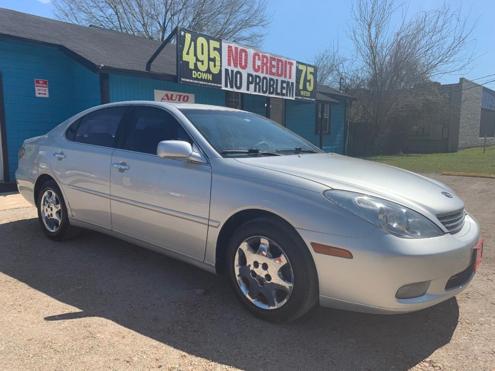 2002 Lexus ES 300 Sedan (JTHBF30G920) with an 3.0L V6 DOHC 24V engine, 5-Speed Automatic Overdrive transmission, located at 1908 Blalock Road, Houston, TX, 77080, (281) 801-8937, 29.828690, -95.523354 - Photo #0