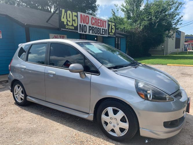 2007 Honda Fit Sport 5-Speed AT (JHMGD38697S) with an 1.5L L4 SOHC 16V engine, 5-Speed Automatic Overdrive transmission, located at 1908 Blalock Road, Houston, TX, 77080, (713) 485-6533, 29.828690, -95.523354 - Photo #1